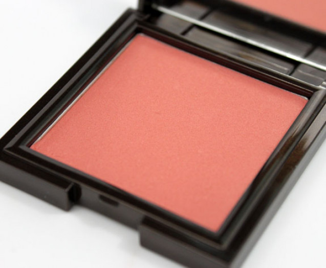 Powder blush on