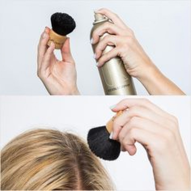 Powder brush hairspray